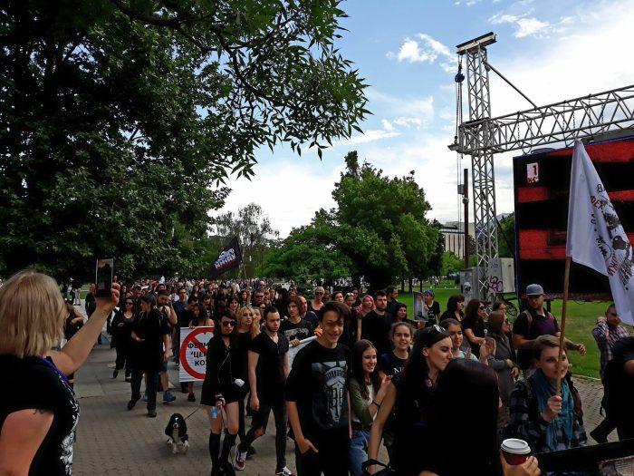 Маршът, близо до НДК